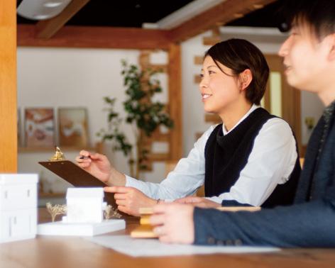 江戸川区の注文住宅工務店ニットー住宅 ご説明の様子