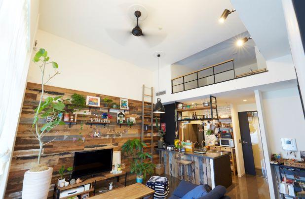 江戸川区で自然素材の注文住宅を建てるニットー住宅 シーリングファンがまわるリノベマンション