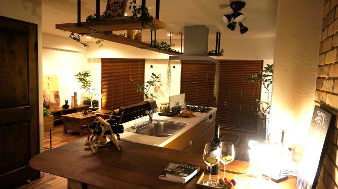 江戸川区で自然素材の注文住宅を建てるニットー住宅 照明がきれいなリノベマンション