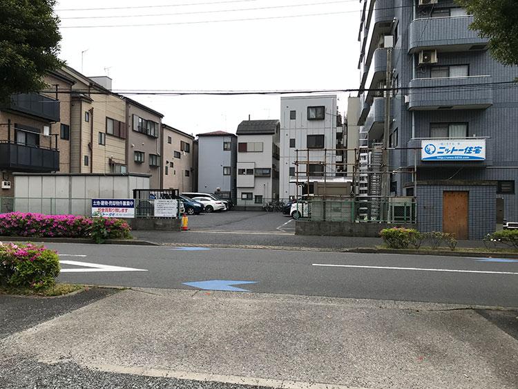 江戸川区で自然素材の注文住宅を建てるニットー住宅 駐車場