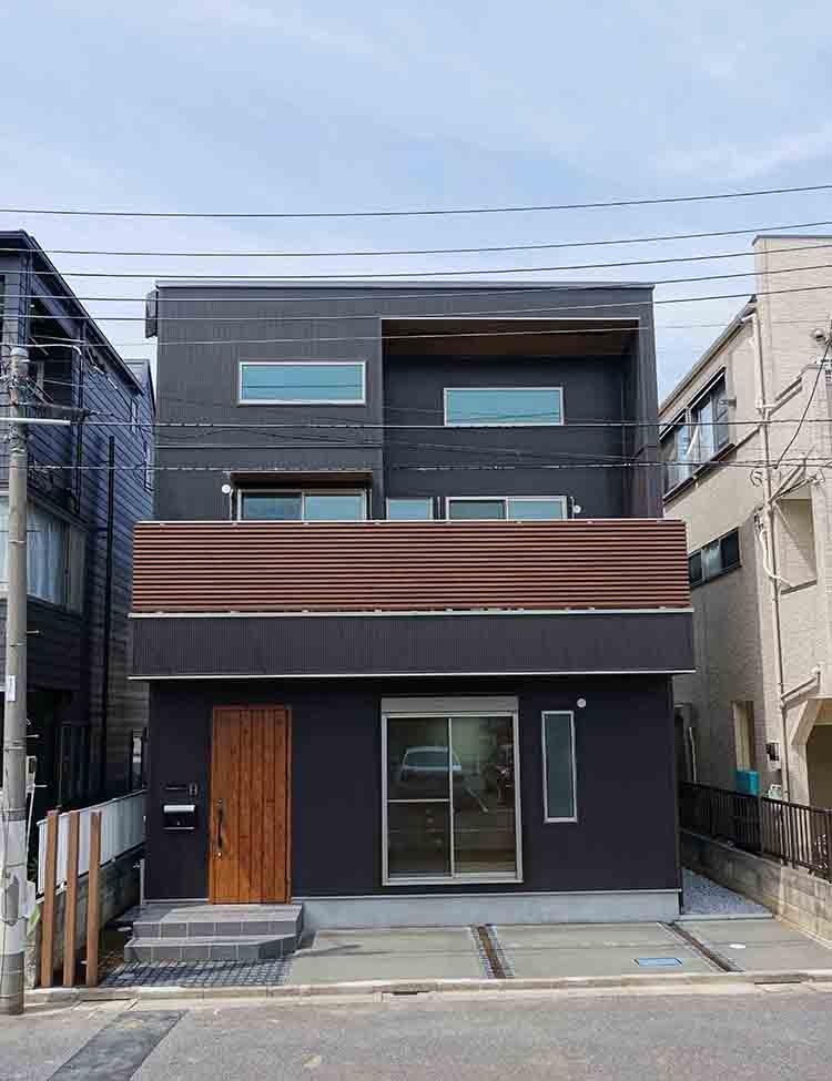 江戸川区で自然素材の注文住宅を建てるニットー住宅 シンプルで個性的な外観