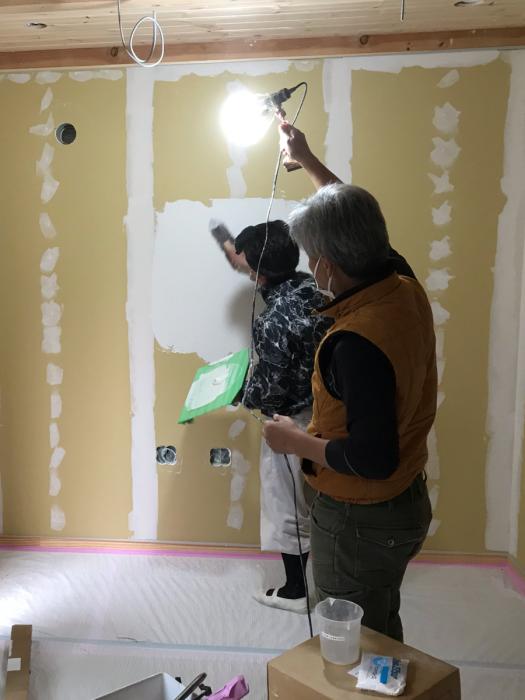 江戸川区で注文住宅を建てるニットー住宅の漆喰塗り