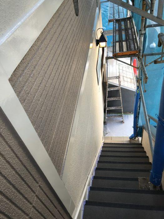 江戸川区で無垢材を使用した注文住宅を建てる工務店ニットー住宅牛山の撮った外壁塗装の写真です。